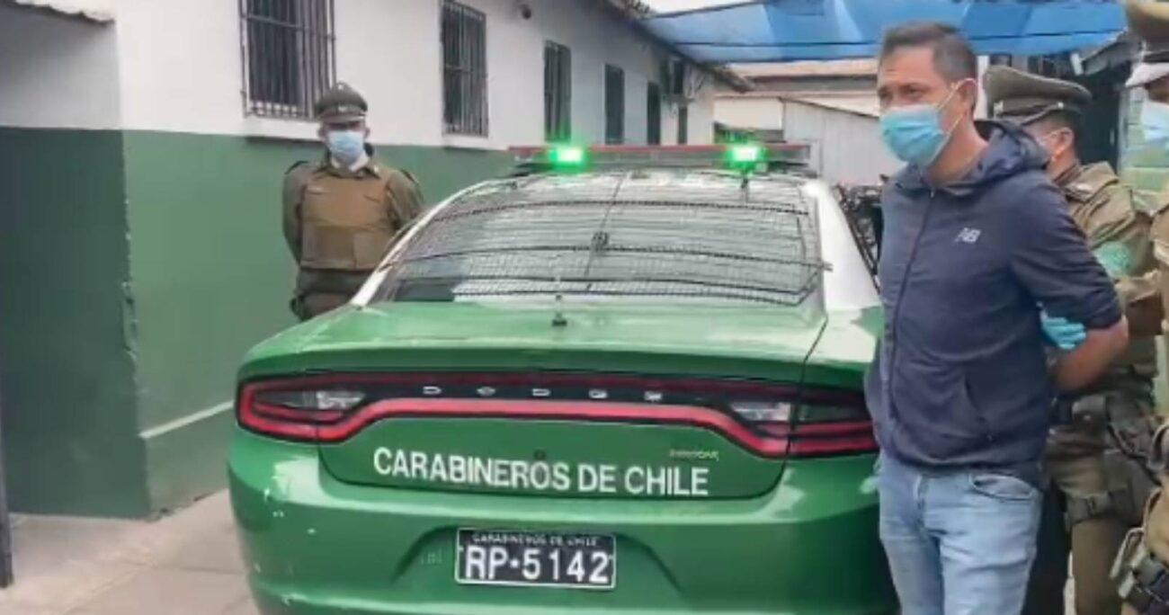 El imputado quiso terminar con su vida tras el crimen u chocó contra una barrera de contención en la esquina de Américo Vespucio con Primero de Rivera.