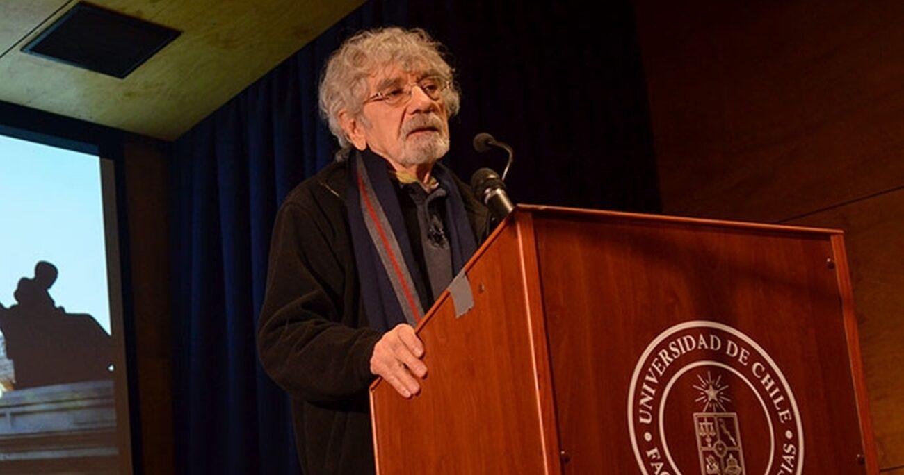 El biólogo, filósofo y escritor tenía 92 años. U. DE CHILE/ARCHIVO
