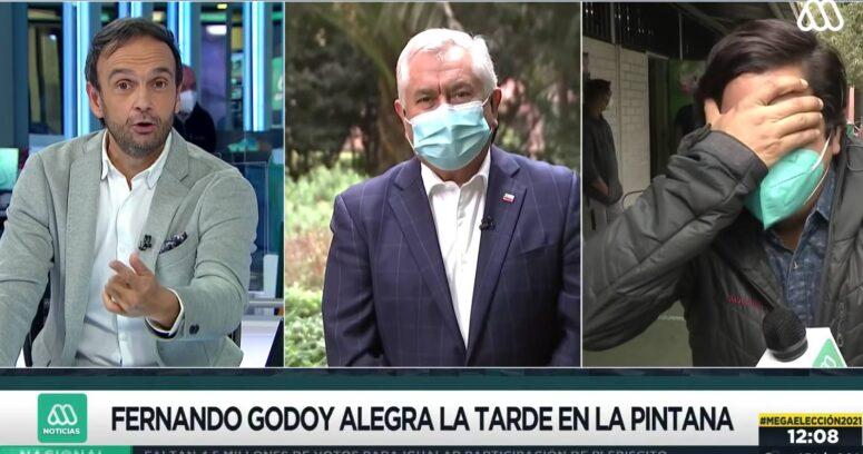 VIDEO – Fernando Godoy imitaba a Paris cuando el ministro apareció en despacho