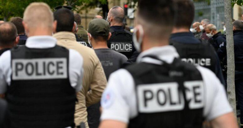 Gobierno francés anuncia un endurecimiento de las penas por agresión a policías