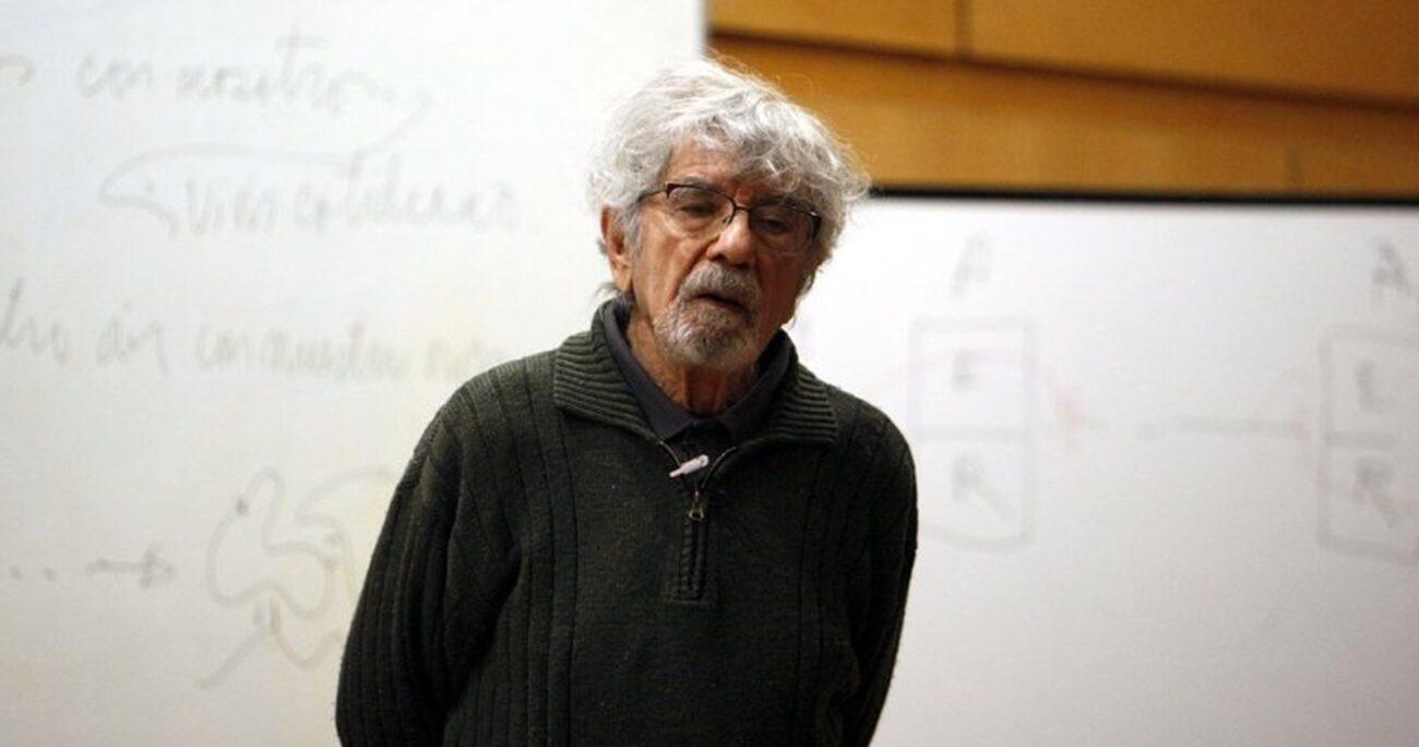 El intelectual desarrolló un sólido trabajo sobre biología junto con Francisco Varela. U. DE CHILE/ARCHIVO