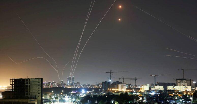 """VIDEOS – Así funciona el """"Domo de Hierro"""" de Israel"""