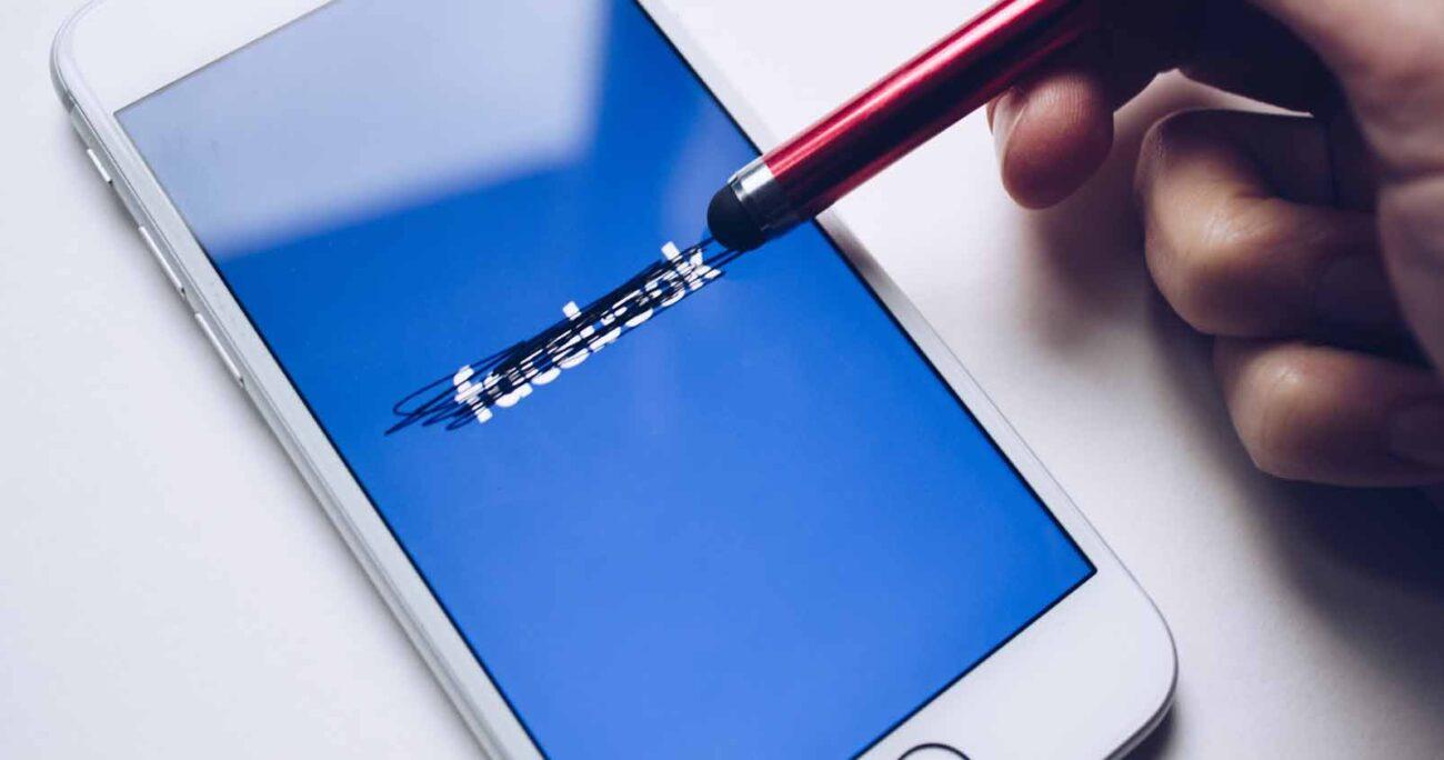 Facebook se ha manifestado como el mayor detractor de la nueva función y aseguraron que esto atenta contra la gratuidad de la aplicación. Pexels.