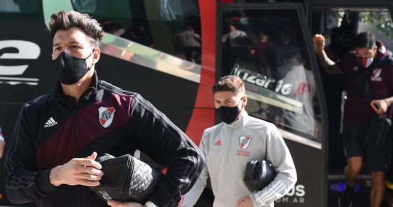 """""""Tragedia en el fútbol argentino: chofer de River Plate murió por COVID-19"""""""