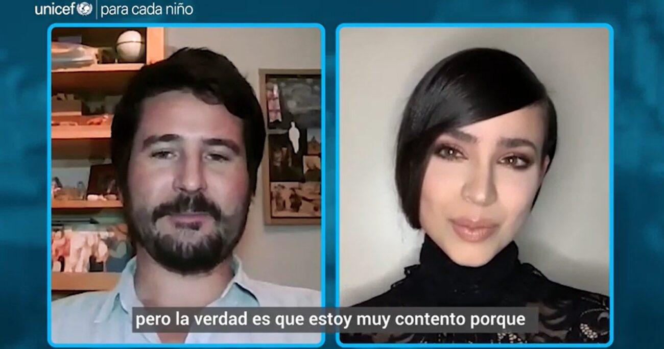 La actriz durante su conversación con el profesor chileno. CAPTURA DE PANTALLA/UNICEF