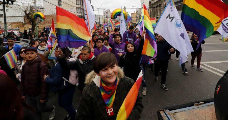 """""""Matrimonio igualitario avanza tras aprobación en Comisión de Constitución del Senado"""""""