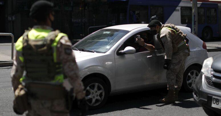 """""""Dos nuevas comunas de la Región Metropolitana retrocederán a cuarentena"""""""