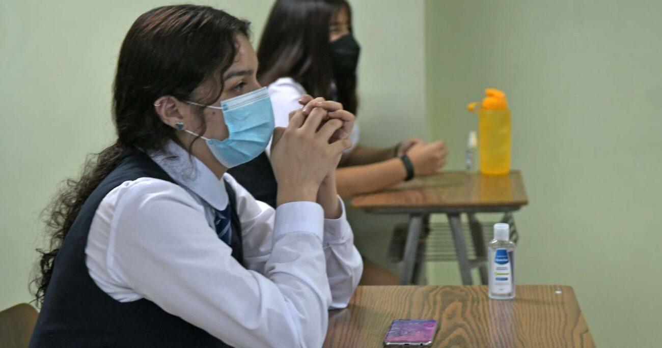 Según un estudio de la U. de Chile, en presencialidad la irritabilidad y mal genio de los estudiantes alcanzaba un 56%, mientras que durante la pandemia aumentó a un 72%. AGENCIA UNO/ARCHIVO