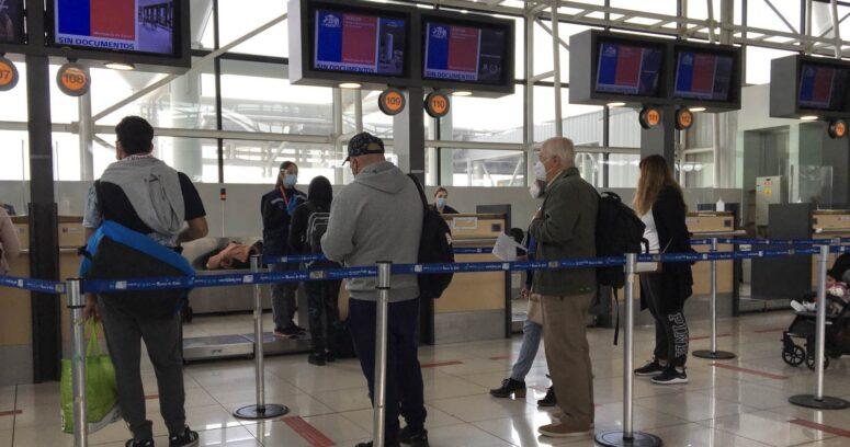 """""""Consejo asesor COVID-19 recomendó extender la cuarentena para los viajeros"""""""