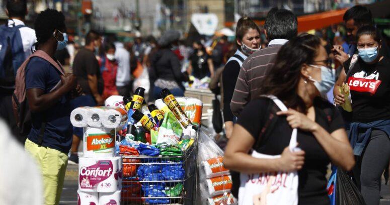 Irací Hassler confirma que entregará permisos para comercio ambulante en Santiago