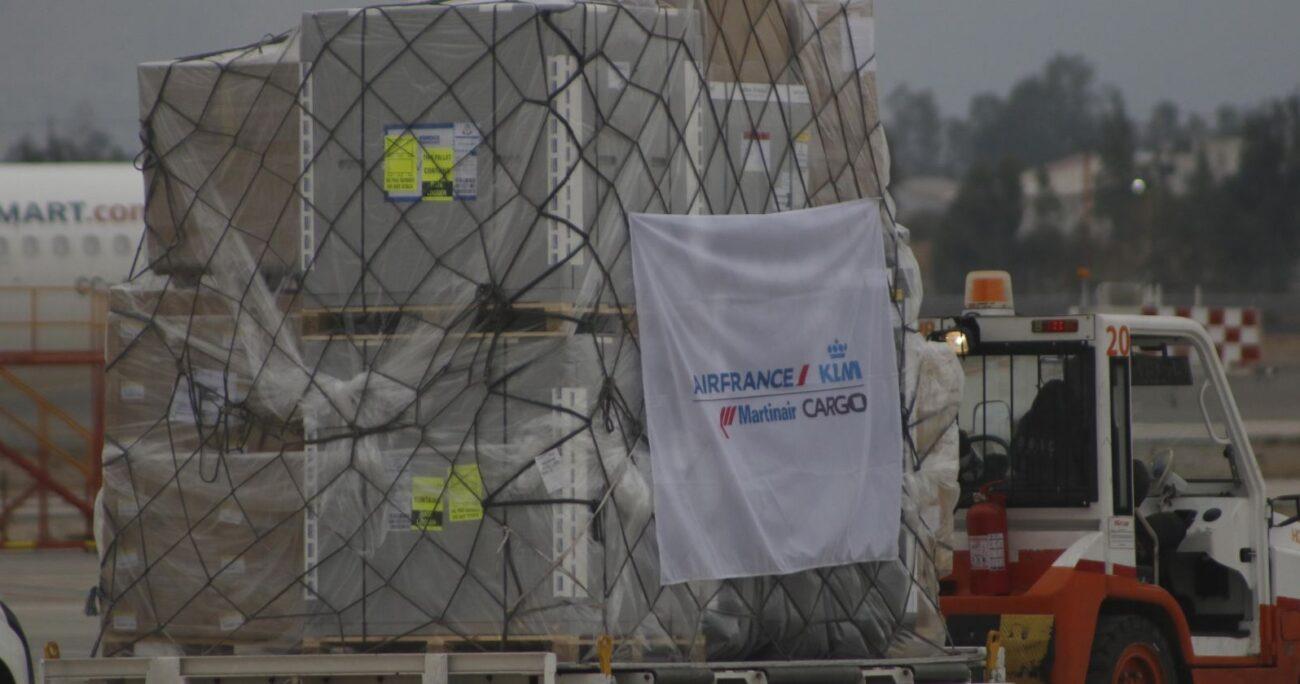 """Minsal señaló que """"con este cargamento se superan los 24 millones 400 mil dosis ingresadas a Chile"""". AGENCIA UNO/ARCHIVO"""