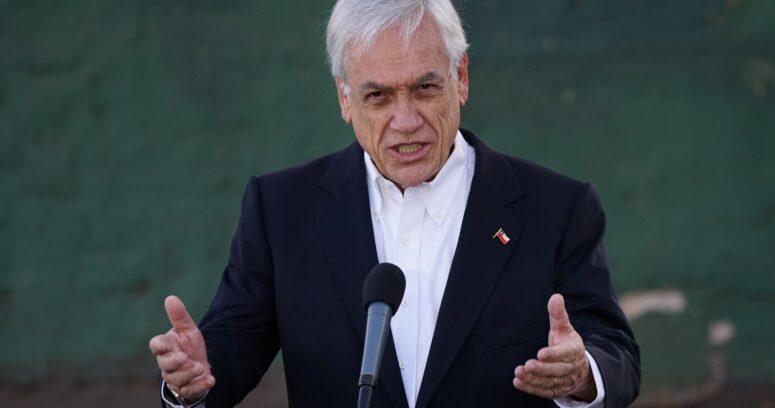 """Sebastián Piñera dejó """"a la imaginación"""" su intención de voto tras sufragar"""