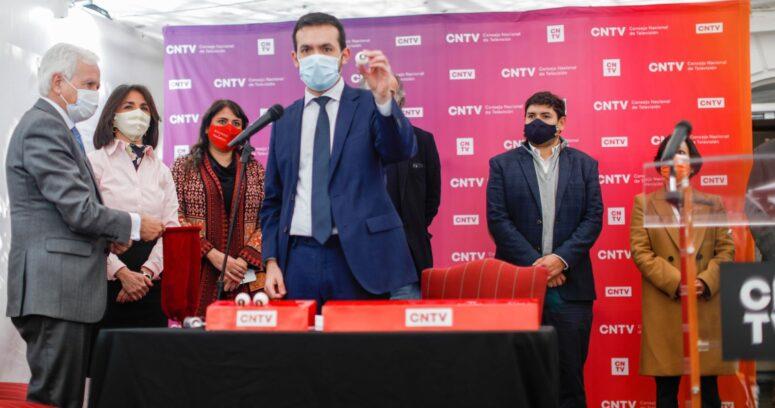 CNTV sortea orden de franja electoral para primarias presidenciales
