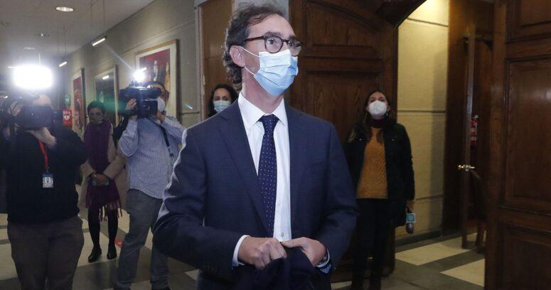 """Ministro Figueroa: """"Están las condiciones para recuperar la presencialidad"""""""