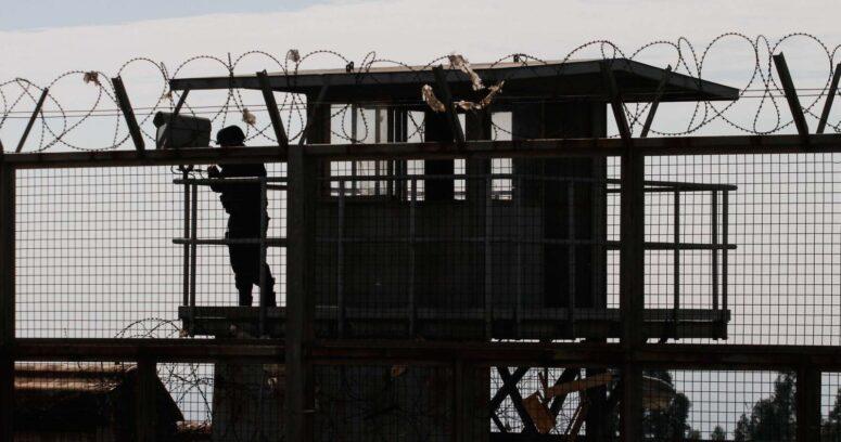 """""""Hay 119 reos contagiados: Gendarmería ordena cuarentena total de la cárcel de Valparaíso"""""""
