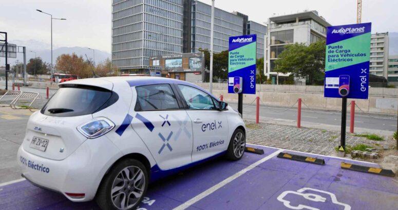 """""""Chile hacia la electromovilidad: avanza la implementación de electrolineras por parte de Enel X tras nueva alianza con Autoplanet"""""""