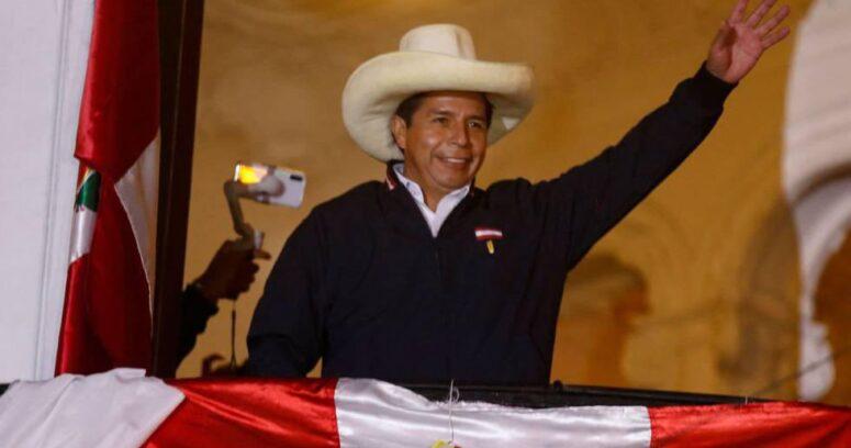 """""""Pedro Castillo es proclamado como nuevo presidente de Perú"""""""