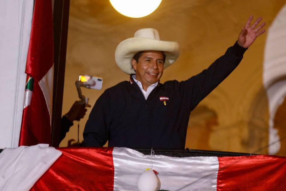 Castillo, lidera las elecciones presidenciales de Perú con el 50,19 por ciento de los votos, por delante de su rival, la conservadora de Fuerza Popular, Keiko Fujimori.