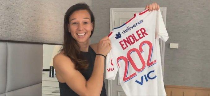 Tianne Endler es presentada como refuerzo del mejor equipo del mundo