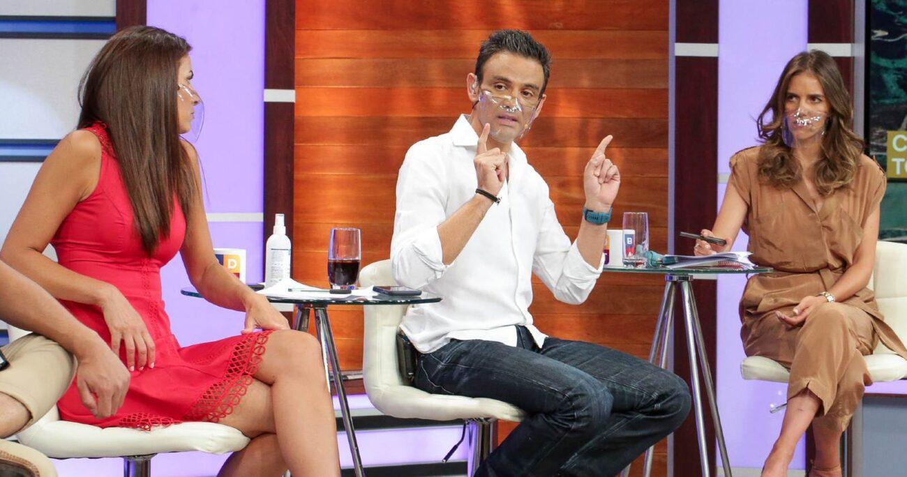Todo se habría originado a raíz de la visita de Mauricio Pinilla y Karen Doggenweiler al programa. TVN