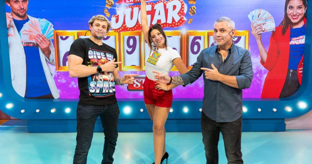 El programa de concursos es liderado por José Miguel Viñuela, María José Quintanilla y Joaquín Méndez. MEGA