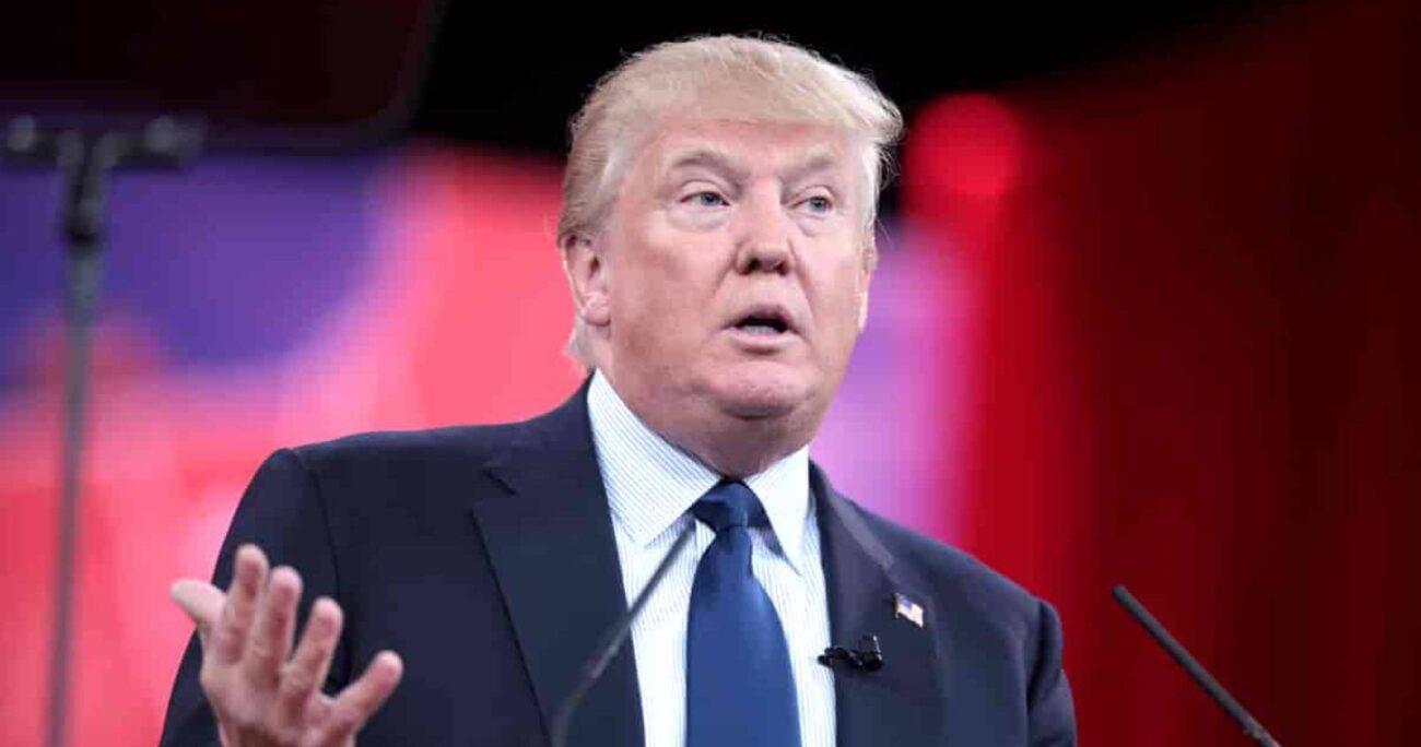 La plataforma, llamada Desde el escritorio de Donald J. Trump, alojaba videos del ex presidente.