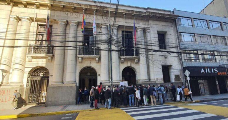 """""""Despiden a 44 trabajadores en Valparaíso: sindicatos acusan"""