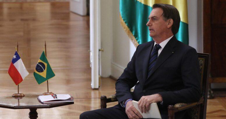 """""""Bolsonaro es trasladado a Sao Paulo para evaluar una"""