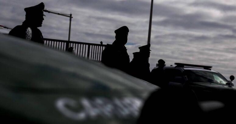 """""""Pelea de gallos al interior de parcela en Quillota terminó con 14 detenidos"""""""