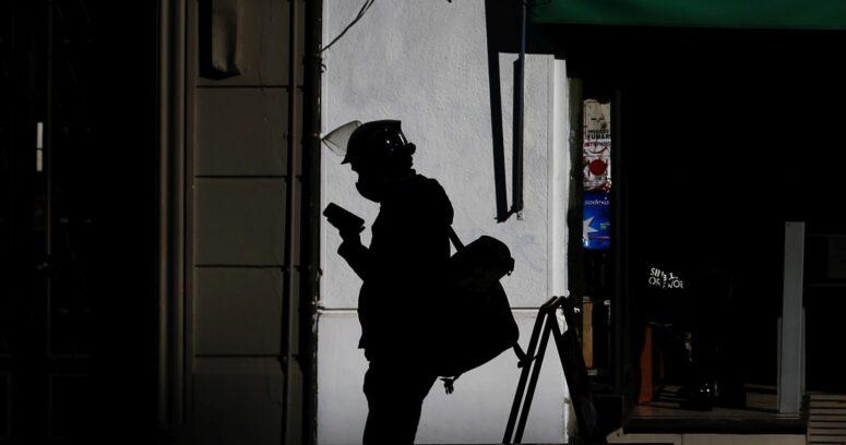 """""""OCDE: Chile volvería a las tasas de empleo previas a la pandemia en 2024"""""""