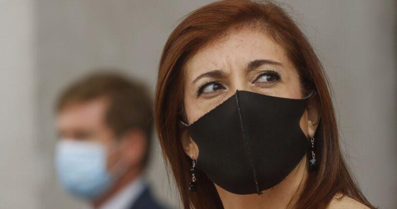 """""""Defensora de la Niñez aboga por retorno a clases y critica a parlamentarios por acusación constitucional"""""""
