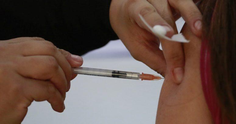 """""""Nueva ola de COVID-19 en Estados Unidos y Europa golpea a los no vacunados"""""""