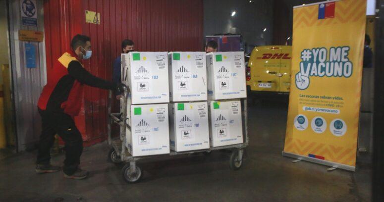 """""""Chile recibió nuevo cargamento con 451 mil vacunas contra el COVID-19 de Pfizer"""""""
