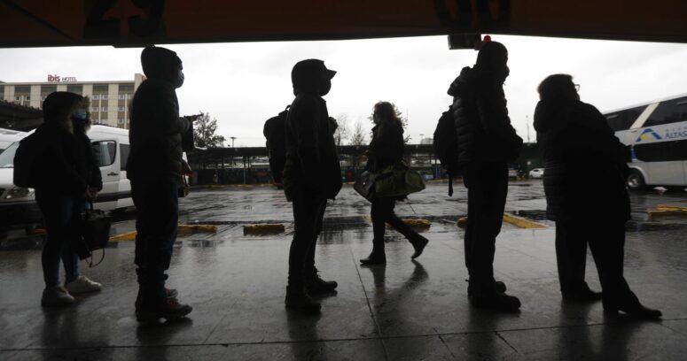 """""""Contacto estrecho de caso de variante delta viajó en bus desde Santiago a Concepción"""""""