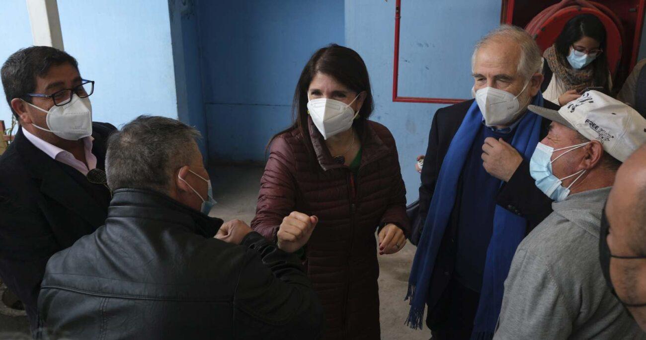 La candidata socialista durante su actividad en La Pintana. AGENCIA UNO