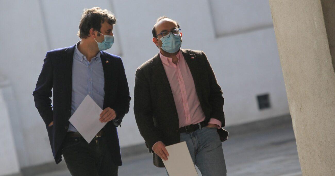 El ministro junto con el subsecretario Máximo Pavez. AGENCIA UNO