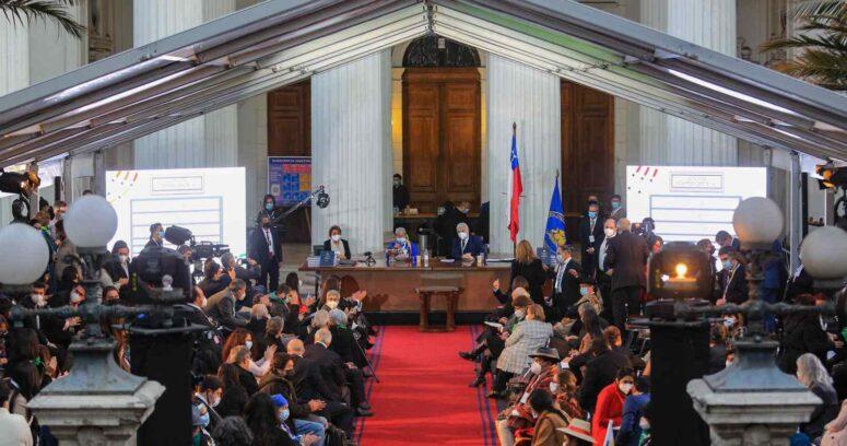 """""""Marcos de la Convención Constitucional"""""""