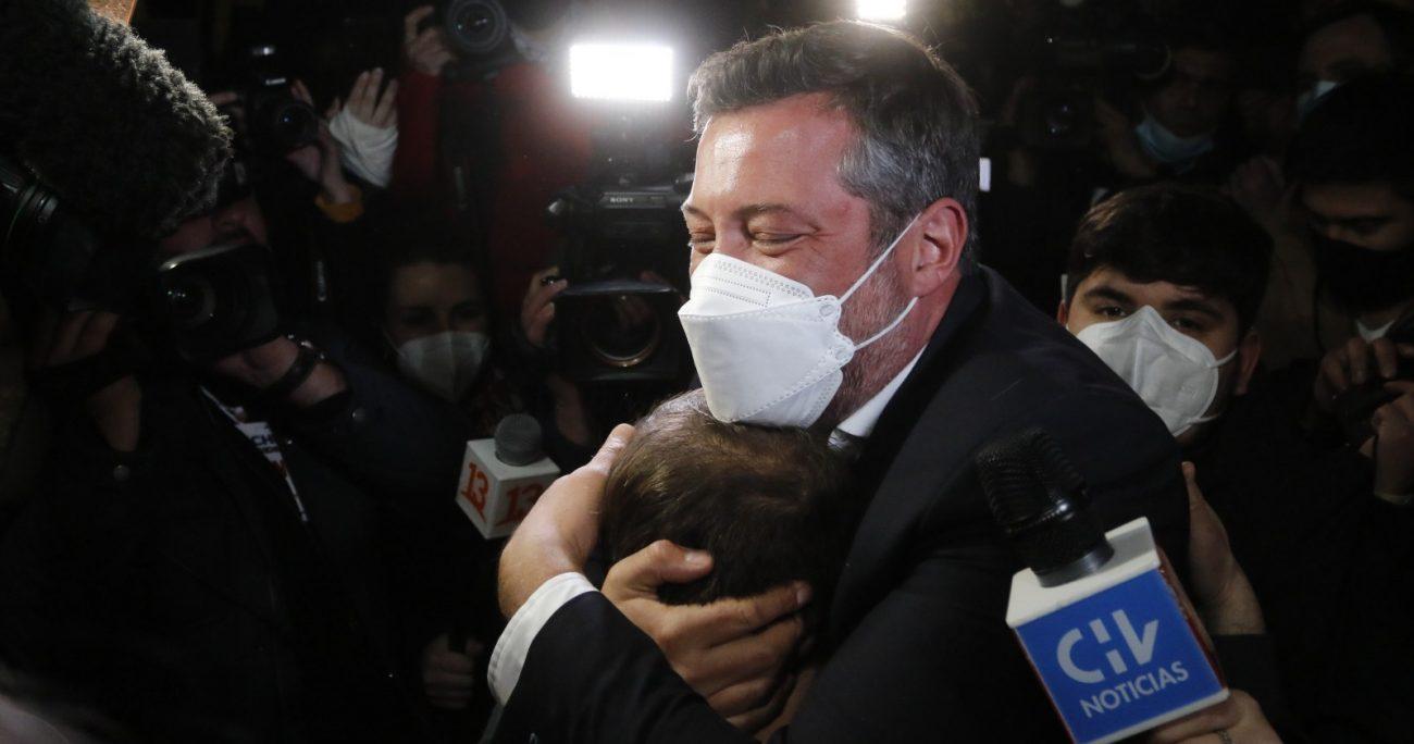 Sichel agradeció a sus compañeros de coalición tras su victoria. AGENCIA UNO