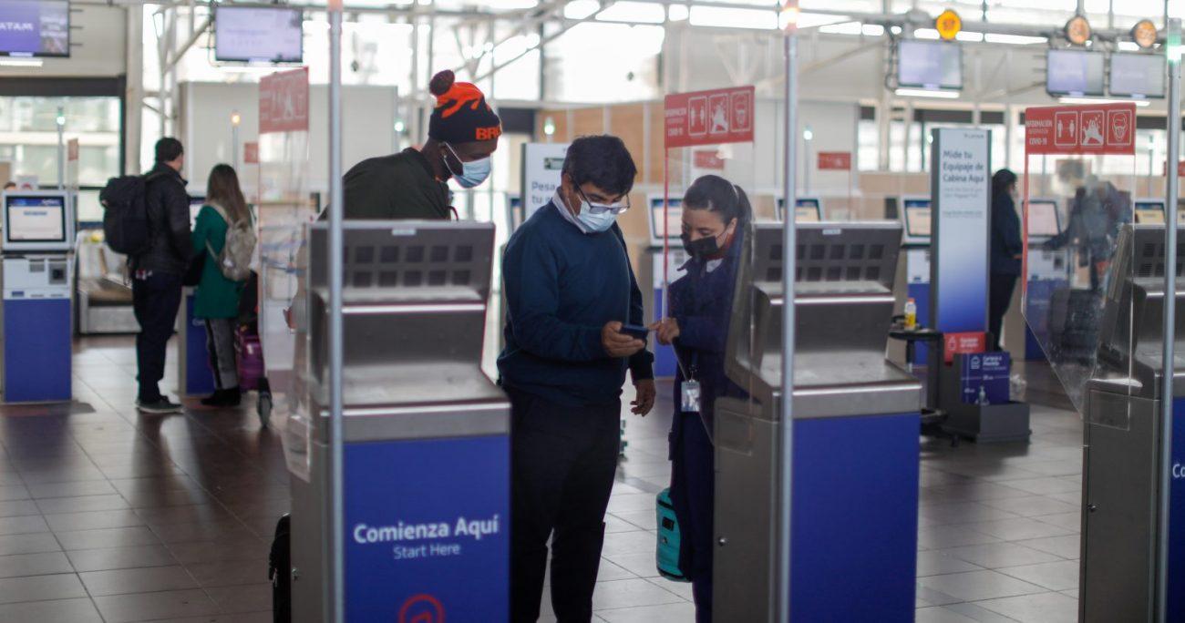 Las personas que se inocularon fuera del país podrán acceder al pase de movilidad. AGENCIA UNO/ARCHIVO