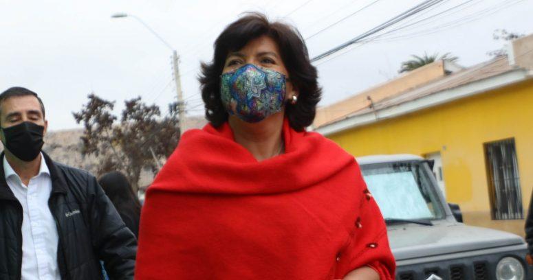Increpan a Yasna Provoste durante actividad en feria libre de Puente Alto