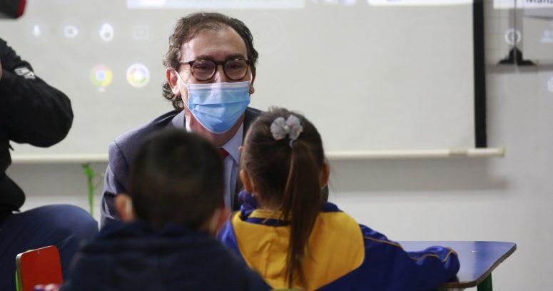 """""""Ministro Figueroa tras apertura de colegios:"""