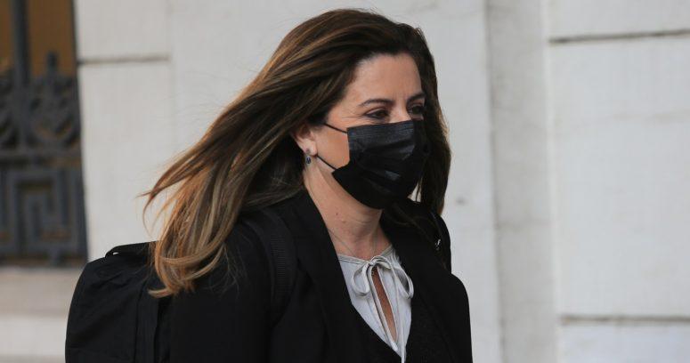 """Teresa Marinovic se enfrenta a Bassa por supuestos """"privilegios"""" de la mesa de la Convención"""