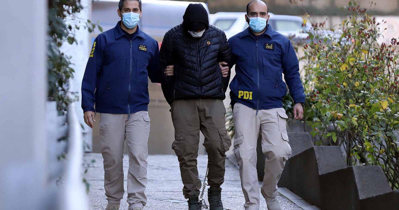 A raíz del deleito de quebrantamiento de condena por el que fue formalizado, el reclusocontinuará cumpliendo su condena en un módulo de alta seguridad en la Región del Biobío. PDI