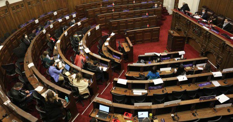 Gobierno y constituyentes se enfrentan por presupuesto y condiciones en Convención