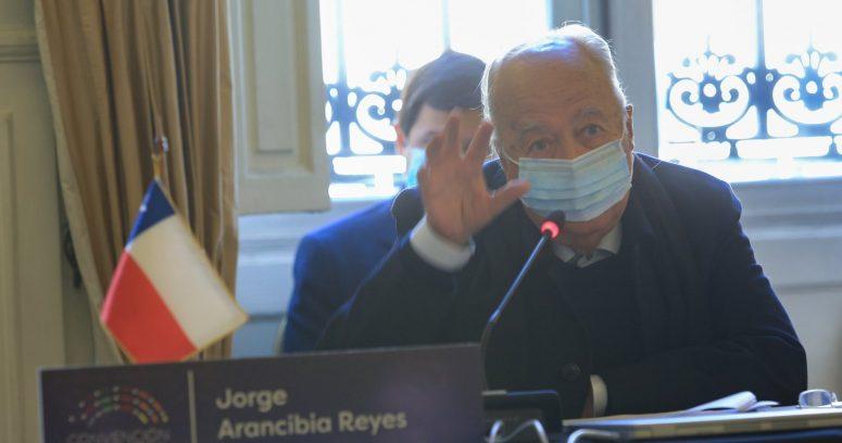 """""""Jorge Arancibia descartó renunciar a la comisión de Derechos Humanos de la Convención"""""""