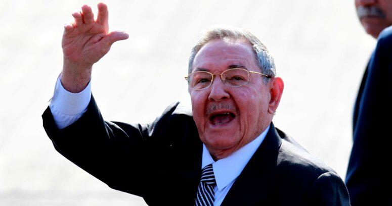 """""""Raúl Castro reapareció en medio de las protestas en Cuba"""""""