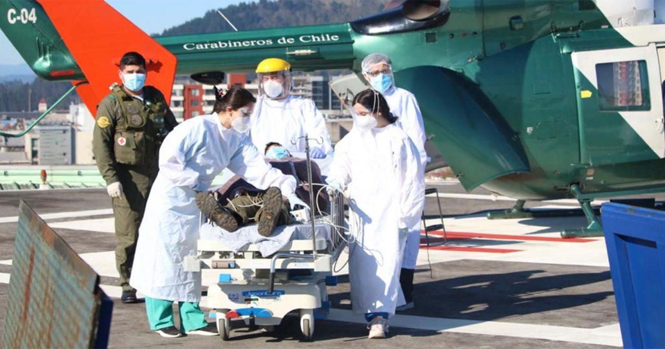 Las tres personas que resultaron heridas fueron atendidas en el hospital de Carahue y, posteriormente, trasladadas en el helicóptero de Carabineros hasta Temuco para continuar con la atención médica. CAPTURA