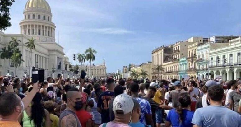 """""""PC chileno se alinea con dictadura cubana y culpa al bloqueo de EE.UU."""""""