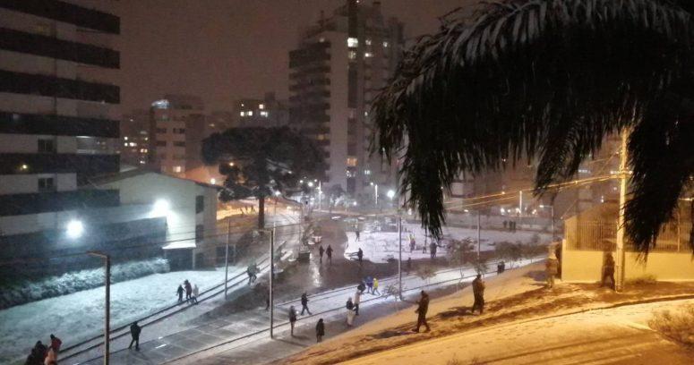 """""""Históricas tormentas de nieve en Brasil: temperaturas han sido las más bajas de los últimos años"""""""