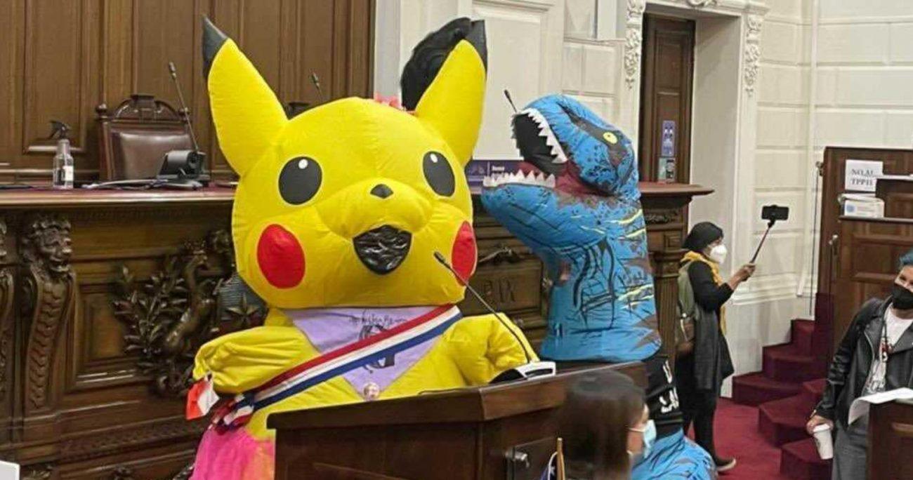 Los constituyentes explicaron que querían dar una señal respecto a que el pueblo está dentro del Congreso de Santiago. TWITTER